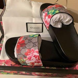 Bloom luxury slides